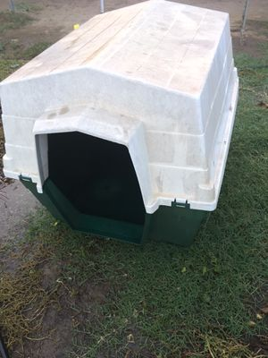 Large pet house. for Sale in Fresno, CA