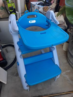 Kids high chair for Sale in Winchester, CA