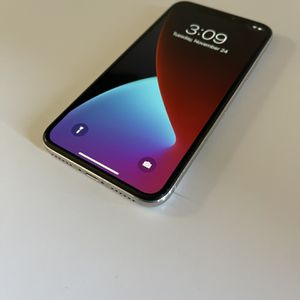 Apple iPhone X 64GB SILVER UNLOCKED 50 for Sale in Chandler, AZ