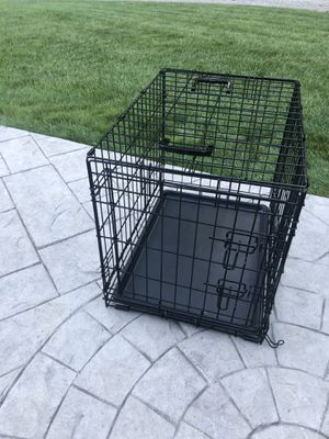 Heavy duty fold and carry double door dog crate for Sale in Uxbridge, MA