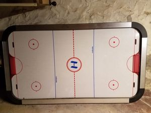 Air hockey table for Sale in Crum Lynne, PA
