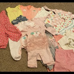 Newborn Girl Clothes 17 Pieces for Sale in Bothell, WA