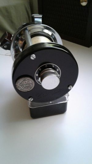 Champion D A M Quick 800 fishing reel for Sale in Milwaukie, OR