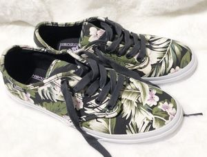 Vans UltraCush Tropical Print Shoes for Sale in Palo Alto, CA