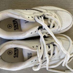 Boys Vans Retro Skater Style Size 4 NEW for Sale in Lake Elsinore, CA