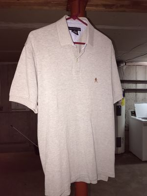 Men's tommy polo tshirt large for Sale in Menomonie, WI
