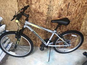 Roadmaster mountain bike for Sale in Herndon, VA
