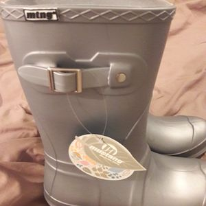 Brand New MTG Rubber Boots for Sale in Wake Forest, NC