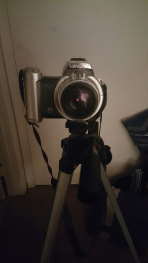 Minolta Digital Camera z1 zoom w/tripod for Sale in Punta Gorda, FL