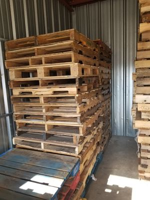48x40 Pallets and Other Assorted Sizes - Delivery Available for Sale in Bergenfield, NJ