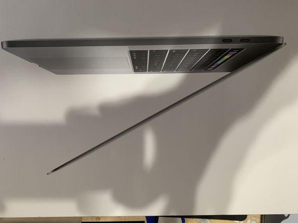MacBook Pro 15-Inch (2017) 256 GB