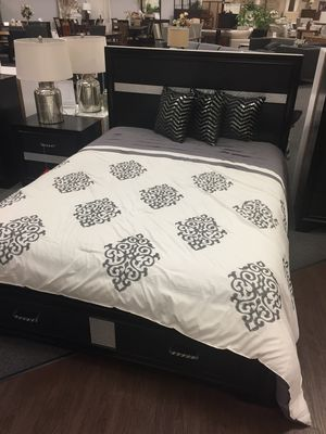 Queen Storage Bed, Black for Sale in Downey, CA