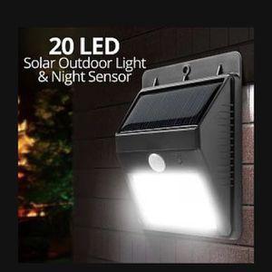 Lot of 4 Binval 20 LED Motion Sensor Solar Light for Sale in Ontario, CA