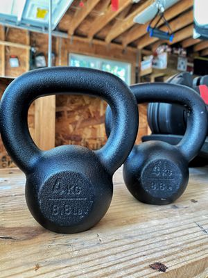 8.8 lb Kettle Bell for Sale in Bluffton, SC