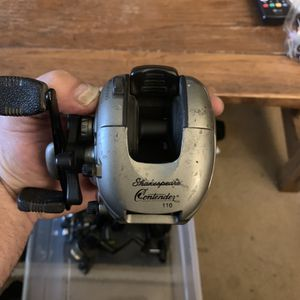 Shakespeare Contender 110 Bait Caster for Sale in Shafter, CA