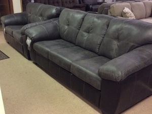 Brand new matching sofa and loveseat in stock today!!!! for Sale in Columbus, OH
