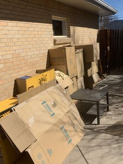Free Large Moving Boxes With Paper for Sale in Littleton,  CO