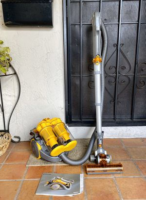 Dyson DC-11 Turbine Canister Vacuum Cleaner w/ attachments for Sale in El Cajon, CA
