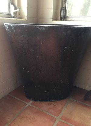 Metal planter for Sale in Orlando, FL