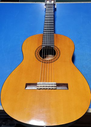 Yamaha C40 Acoustic guitar for Sale in Bridgeport, CT