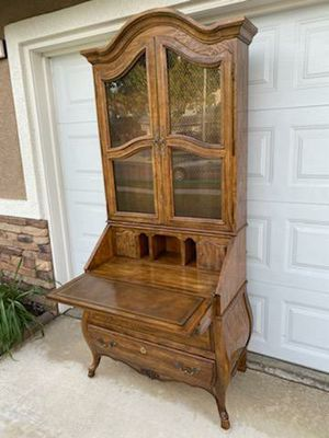 """VINTAGE DREXEL """"GRAND VILLA"""" FRENCH PROVINCIAL BOMBAY LIGHTED SECRETARY CABINET for Sale in Corona, CA"""
