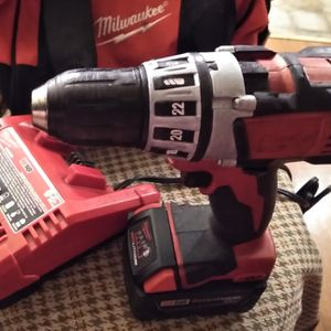 Milwaukee 18 Volt 1/2 In Multiple Speed Drill With 5hr Battery Redlithium XC 1 Milwaukee Carrying Bag for Sale in Mount Vernon, WA