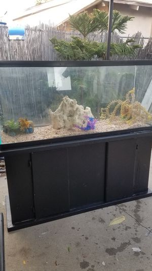 FISH TANK for Sale in Phillips Ranch, CA