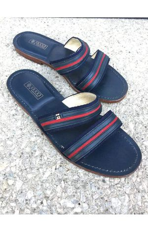 Authentic Gucci Men's Summer Sandals Slides Size 10 US or 43 Euro lik New for Sale in UPPER ARLNGTN, OH