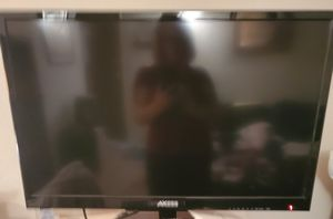 Axcess 32 inch tv with built in DVD player for Sale in Tigard, OR