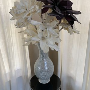 Zgallerie Vase And Flowers for Sale in Centreville, VA