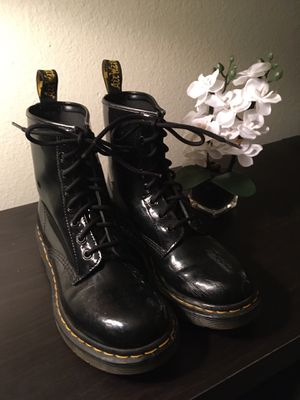 Doc Marten's 1460 Patent Leather Boots for Sale in Tacoma, WA