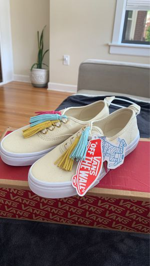 Vans size 1 for Sale in Chicago, IL