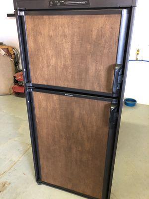 Dometic 2-way RV Refrigerator 2562 for Sale in Casa Grande, AZ