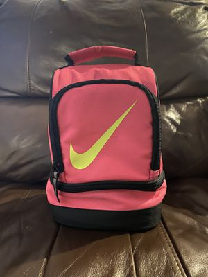 Pink Nike Lunchbox for Sale in Renton, WA