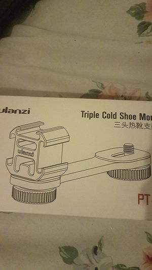 Ulanzi Triple Cold Shoe Mount for Sale in Lutz, FL