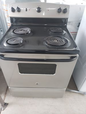 Stove GE electric good condiction for Sale in Phoenix, AZ