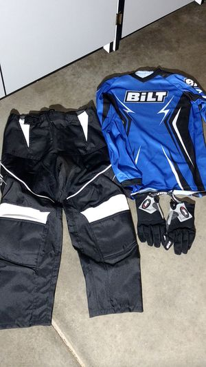 Bilt shirt, pants and gloves for Sale in Elk Grove, CA