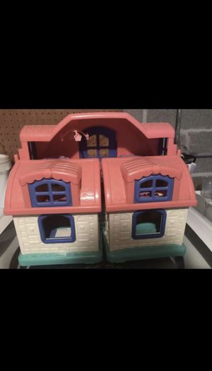 kids play house (comes with free toys for the house) for Sale in Skokie, IL
