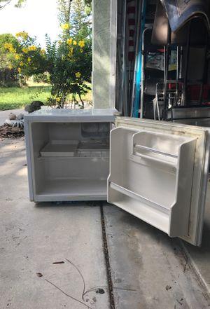 "Avanti 20x20x20"" cube fridge for Sale in Venice, FL"
