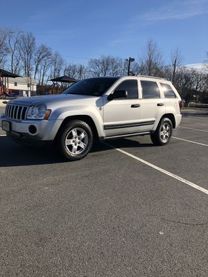 2005 Jeep Grand Cherokee *Very clean/Cheap* Neg for Sale in Rutherford, NJ