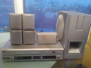 Audiovox VD1400HT DVD/VCR home theater System for Sale in Miami, FL