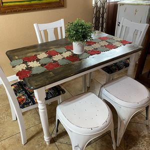Nice Small Kitchen Table 4 Chairs Or 4 Stools You Can Choose Between Them for Sale in Denver, CO