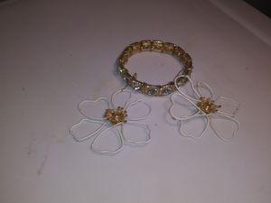 Earrings/ bracelet for Sale in Bakersfield, CA