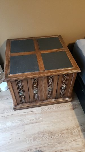 End table/bedside table for Sale in Cornelius, OR