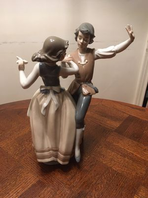 Lladro Polka Dancing Figurine 1984 (5252) Vintage for Sale in Glenview, IL