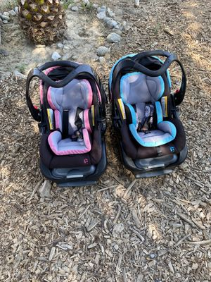 Babytrend newborn/infant car seats for Sale in Coachella, CA