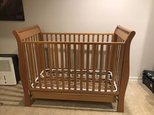Crib for Sale in Germantown, MD