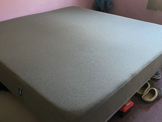 Casper Mattress And Base for Sale in Mount Sinai,  NY