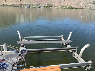 Boat lift for Sale in Orondo,  WA