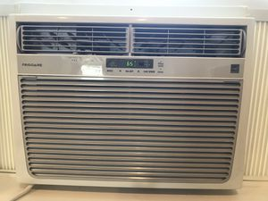 Fridgidaire window ac unit for Sale in Joint Base Lewis-McChord, WA